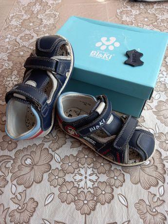 Взуття на хлопчика, сандалики