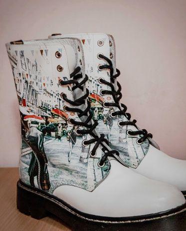 Стильные белые кожаные ботинки KBT'S  с ярким принтом