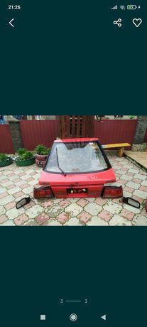 Продам кришку багажника мазда 626