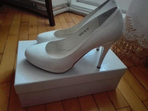 Білі туфлі Erisses 37р