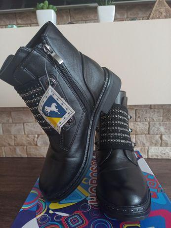 Стильные ботинки сапоги