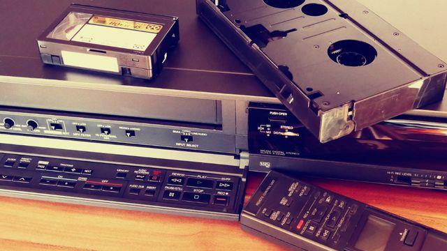 Przegrywanie kaset VHS i audio darmowa korekcja Analogowe efekty wideo