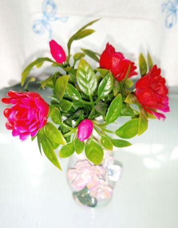 Ваза с цветами искус