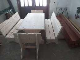 Komplet stół z ławkami