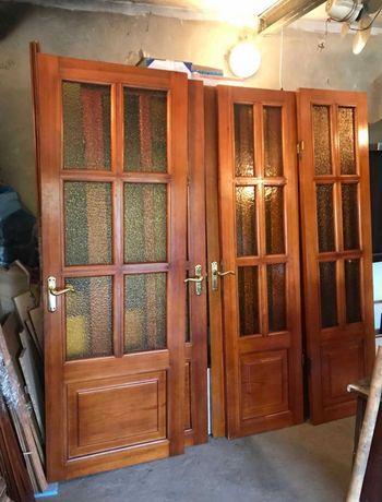 Межкомнатные двухстворчатые двери из массива натурального дерева