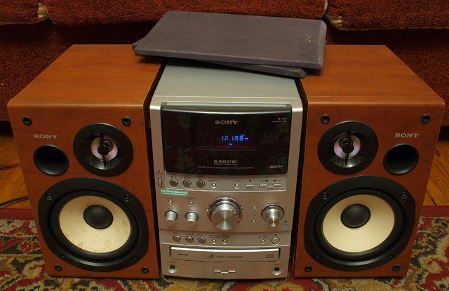 mini wieża SONY HCD-SPZ70 kolumny, pilot, zmieniarka 3 CD, tuner,kaset
