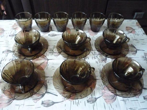 Посуда небьющаяся - чашки с блюдцами / стаканы (по 6 шт.) Франция