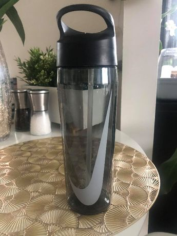 Bidon NIKE HYPERCHARGE butelka na wodę 700ml czarny