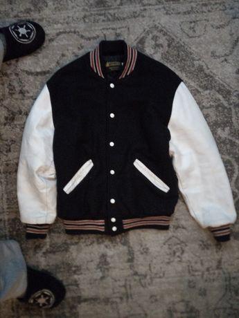 Фірмова, американська куртка.