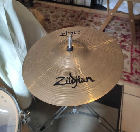"Zildjian Avedis ZHT Splash Cymbal 8"" (praticamente novo)"