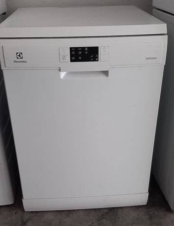 Máquina de lavar loiça Electrolux