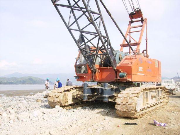 Кран гусеничный Hitachi KH-300-3. Г/П 75 т.