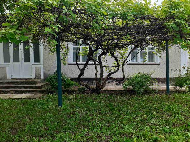 Продам будинок в селі Підлісний Мукарів