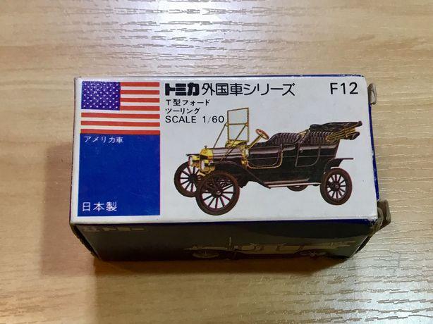 Miniatura antiga Tomica com caixa original Ford T