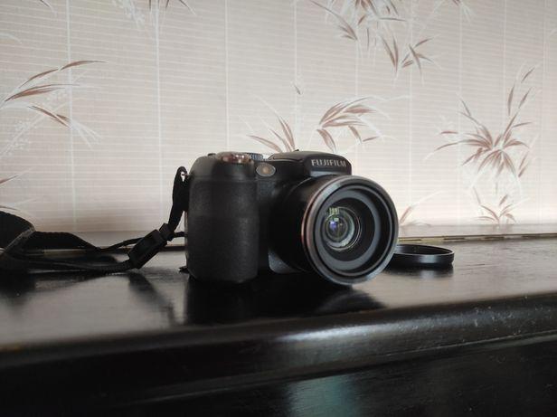 Цифровой фотоаппарат FUJI FINEPIX S1700