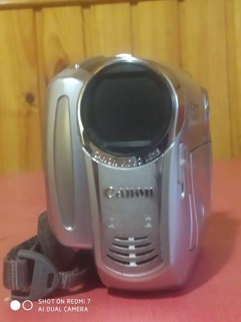 Видеокамера кенон, видеокамера
