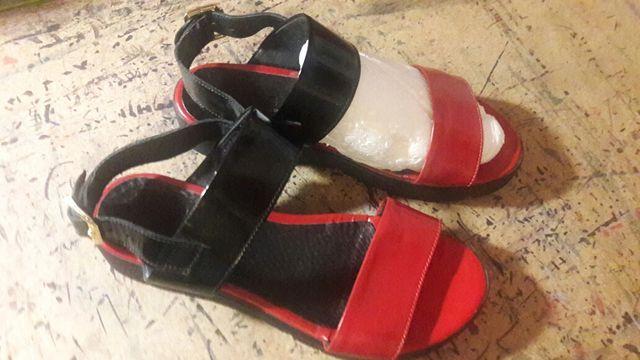 Босоножки Bells красные чёрные размер 37  лаковые туфли на лето весну