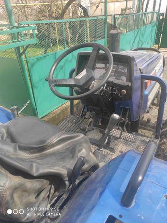 Ісекі ТА210 трактор вхорошому стані