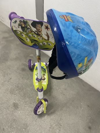 Trotinete + Capacete toy story 4