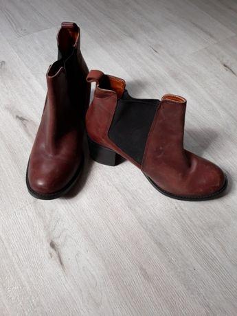 Buty ze skóry SAVIDA (40,dł wkładki 26cm )