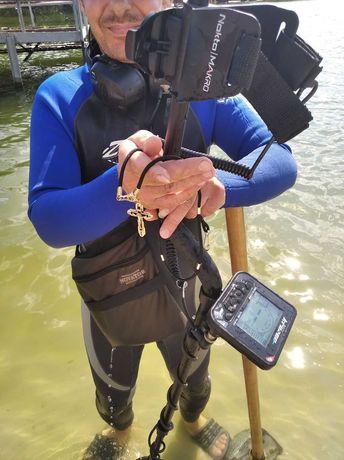 Поиск с металлоискателем под водой и на суше