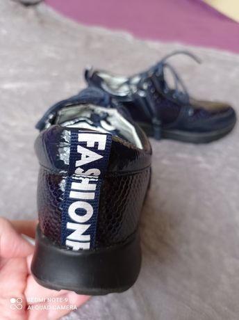 Обувь для девочки. Размер 30.