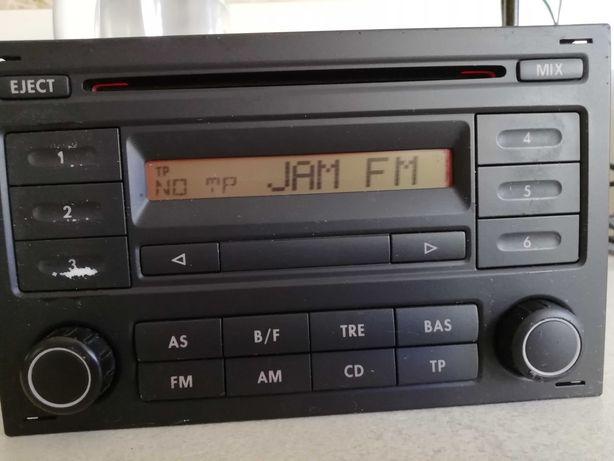Sprzedam radio Blaupunt z kodem do VW Polo Golf Fox