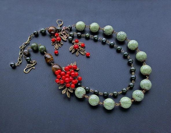 ожерелье и браслет и серьги из натуральных камней