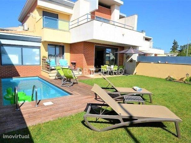 Moradia T3 com piscina privada em Albufeira
