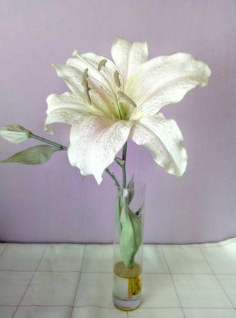 Декор.Цветы в вазе