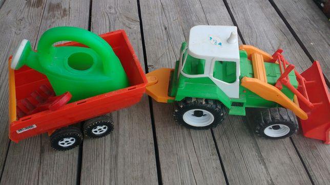 Трактор пластиковый