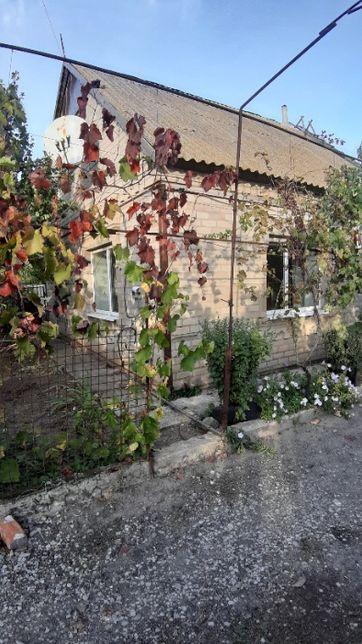 Продам 7-комнатный жилой дом с отоплением, в тихом районе