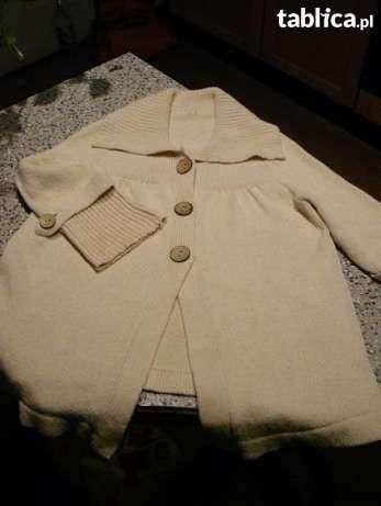 Nowy Fikusny sweterek