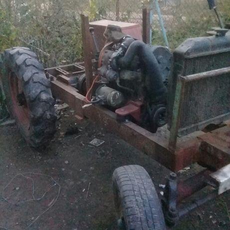 Саморобний трактор.