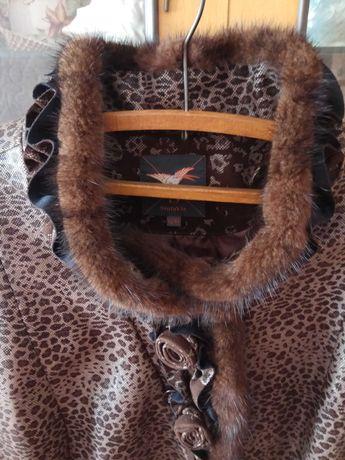 Продамсенние пальто