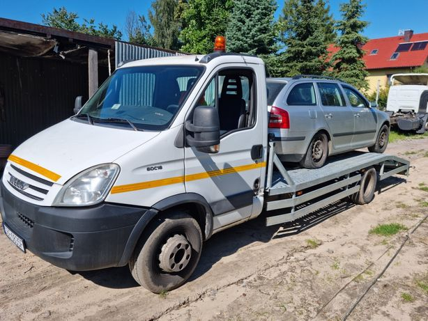 Laweta pomoc drogowa transport maszyn