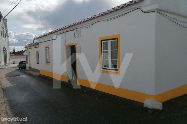 Oportunidade - Moradia em Vila de Frades