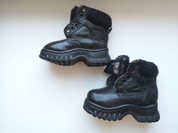 Детские кожаные зимние ботинки 22 размер
