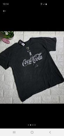 Стильная футболка с принтом coca cola