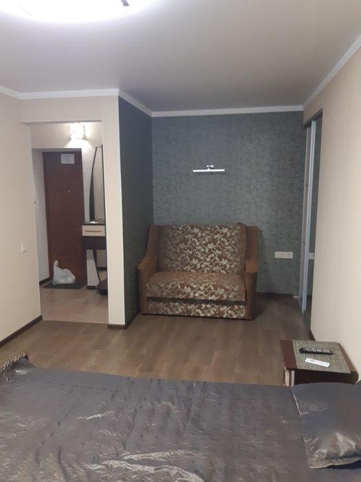 Подобово 1 кімнатна квартира в самому ЦЕНТРІ Миргорода-1