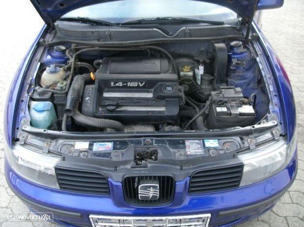 Motor Seat Toledo Leon Ibiza Cordoba 1.4i 16v 75cv AHW APE AKQ AXP BCA Caixa de Velocidades Arranque