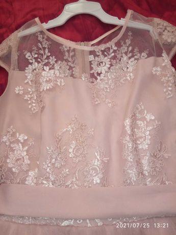 Нарядное платье на юнную красавицу