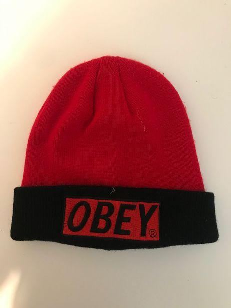Gorro Obey vermelho e preto