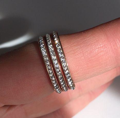 Pierścionek diamenty swarovski różowe złoto