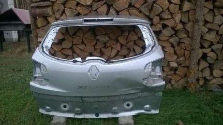 Tylna klapa / maska bagażnika Renault Megane III kombi / grandtour