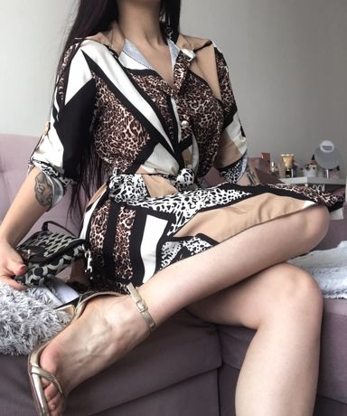 Sukienka wiązana Varlesca
