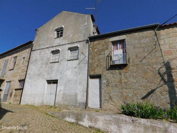 Moradia no centro V3 Caria Belmonte