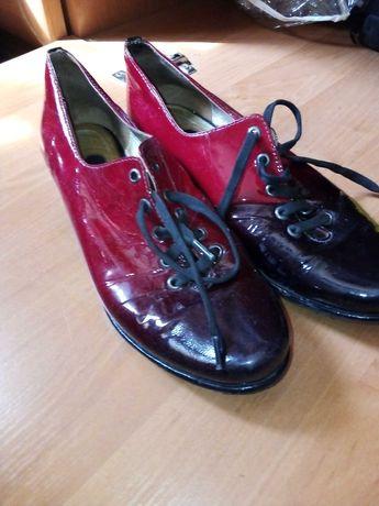 Продам туфли лаковые!!!