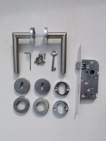 Puxador de porta com cassete