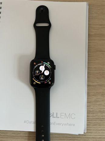 Apple Watch 6 44mm w idealnym stanie